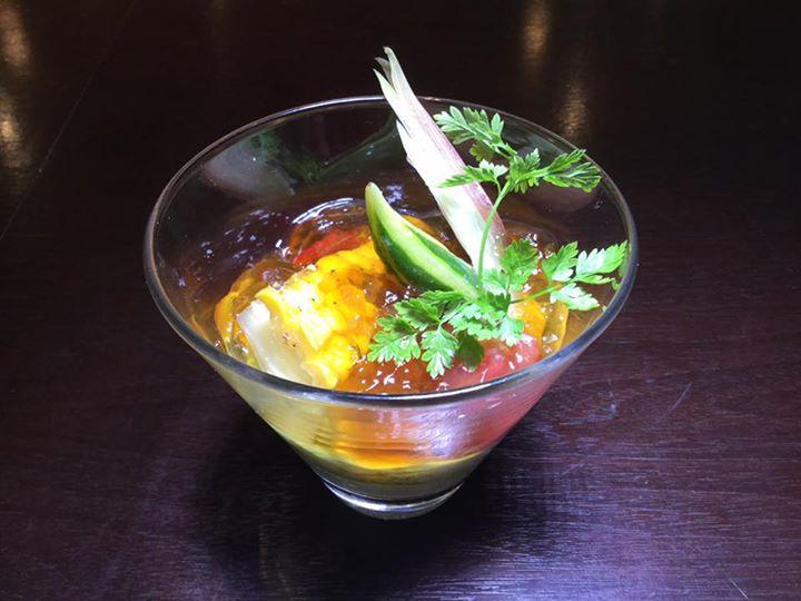 夏野菜のコンソメ煮と枝豆のムース